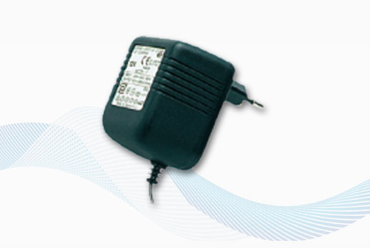 Glomex 220Volt adapter